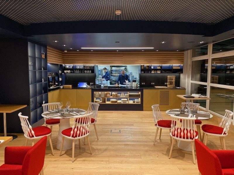 """Notre restaurant Chez Claude """"Braise & Rôtisserie"""" vous accueille"""
